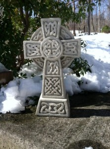Celtic Cross 17inch (470x634)