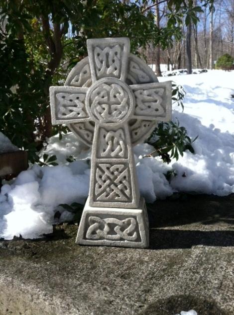 Celtic Cross 17inch (470x634)