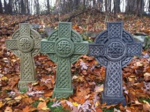 27 inch style Celtic Cross in grey, mint green or glossy black